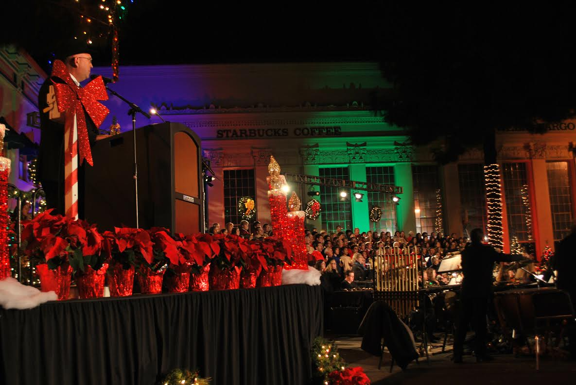 (Photograph courtesy of City of Orange and used with permission.) : city of orange tree lighting - azcodes.com
