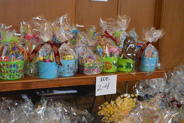 "Easter baskets with sign, ""Boys 2-4"""